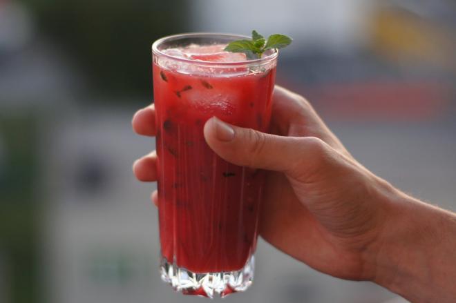 Drink arbuzowy zmiętą