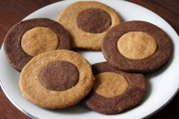 Dwukolorowe ciasteczka maślane