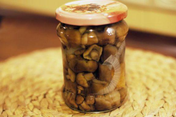 Marynowane grzybki zcebulką