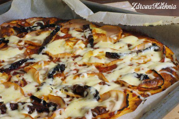 Pizza zsuszonymi pomidorami ioscypkiem