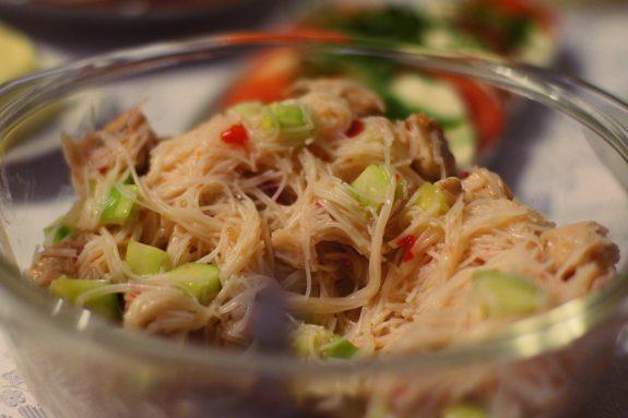 Sałatka zmakaronu ryżowego